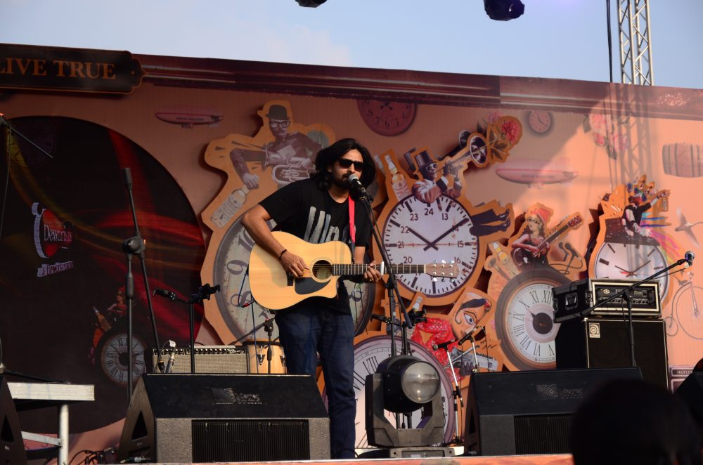music festival ; bacardi nh7 weekender ; nh7 ; music ; rock artists ; music festival looks ; street style ; street fashion ; fashion ; style ; indian blogger ; Hyderabad blogger ; Hyderabad music ; aeropostale ; yoins ; bohemian ; free spirited ; Outfit ; ootd ; music festival outfit ; lookbook ; metal jewelry ; zaful ; bacardi ; farhan akhtar live ; grunge ; naznin suhaer ; I Dress for the Applause