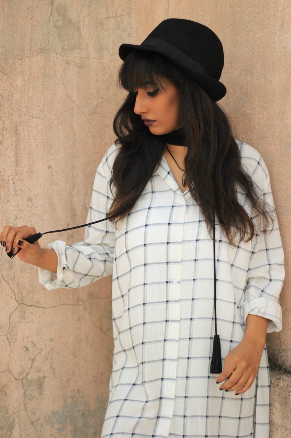 Naznin Suhaer ; I Dress for the Applause ; Hyderabad fashion bloggers ; Hyderabad fashion blogger ; Zaful ; Shirt Dress ; Checks ; Choker ; 70s fashion ; streetstyle ; street fashion ; Lookbook ; Hat ; wine lips ; winged eyes ; new look ; Winter fashion ; Vintage ; Dark ; Fashion Photography ;